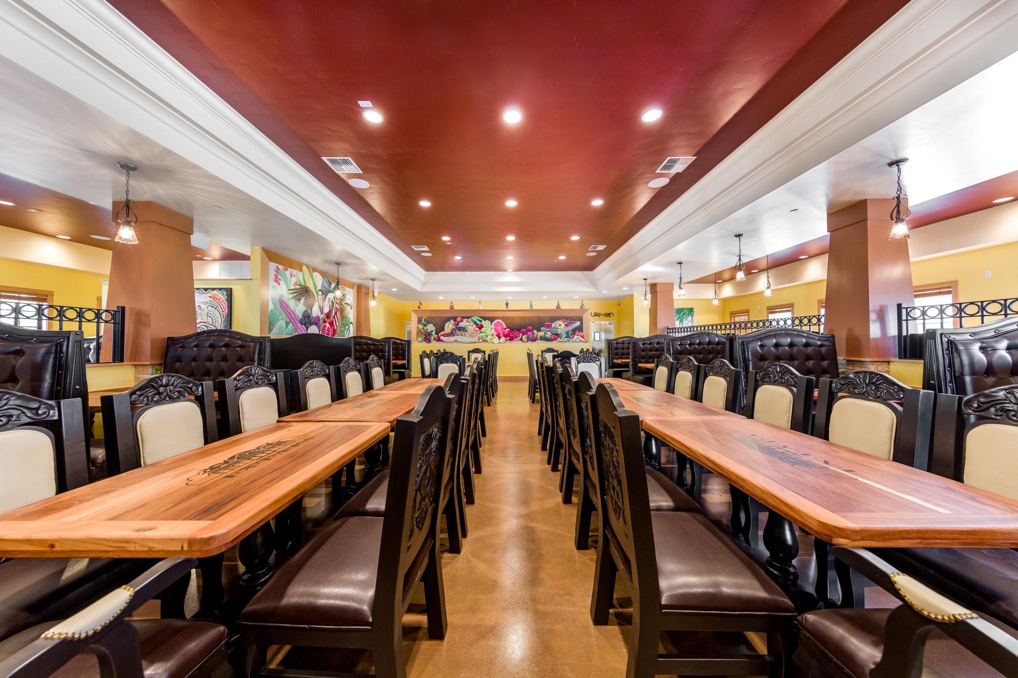 Ixtapa-Dining-Main-600x400