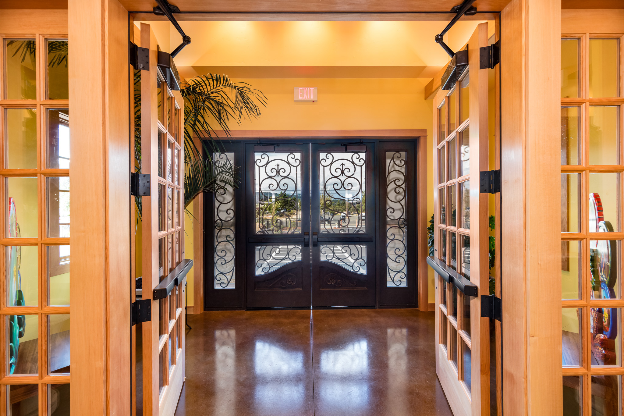 Ixtapa-Entry-from-Inside-600x400